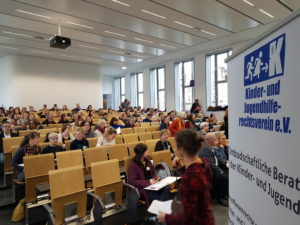 Geschlossene Unterbringung und Freiheitsentzug aus Sicht von Betroffenen. Ein Projekt und ein Tagungsbericht vom 05.02.2020 aus Dresden